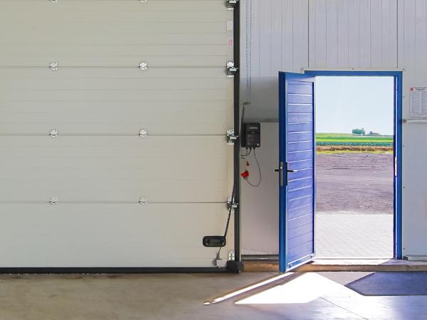 Drzwi boczne do bram przemysłowych