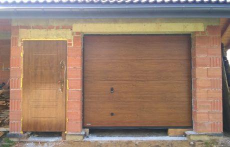 Montaż drzwi wejściowych stalowych i bramy segmentowej - Łask