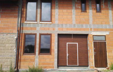 Montaż bramy, okien oraz drzwi - Sieradz
