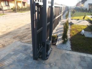 Montaż napędu do bram przesuwnych Beninca - Pabianice