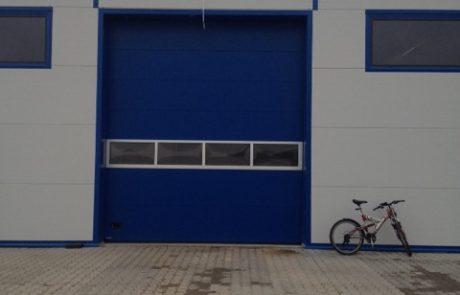Montaż bram przemysłowych - Szadek